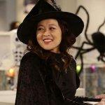 Avenue 5: Suzy Nakamura protagonista a fianco di Hugh Laurie del pilot sci-fi targato HBO