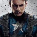 Captain America: Dan Crenshaw mostra il suo occhio di vetro con il logo del supereroe allo stesso Chris Evans