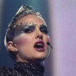 Vox Lux: Natalie Portman è la popstar Celeste nel video musicale di Wrapped Up