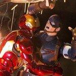"""Chris Evans e Robert Downey Jr. si scambiano ironiche battute su un particolare """"ombrello"""" via Twitter"""