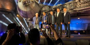 Star Wars: Galaxy's Edge – ecco George Lucas, Harrison Ford, Mark Hamill e Billy Dee Williams all'inaugurazione!
