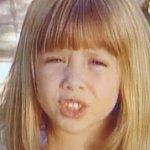 Il web ha riscoperto una canzone degli anni '90 delle gemelle Olsen contro la sorella Elizabeth Olsen