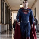 Zack Snyder condivide la prima foto del costume test di Henry Cavill per L'Uomo d'Acciaio