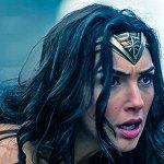 Wonder Woman: Gal Gadot è Diana Prince in una nuova immagine