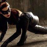 Anne Hathaway ama l'Universo DC e interpreterebbe ancora con piacere Catwoman