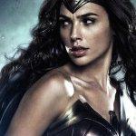Batman v Superman: Dawn of Justice: Gal Gadot diffonde una nuova foto dal dietro le quinte