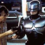 """Paul Verhoeven: per il regista di RoboCop e Atto di Forza il PG-13 sta """"uccidendo"""" il cinema americano"""
