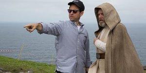 """Star Wars: Mark Hamill """"trolla"""" J.J.Abrams su Twitter"""