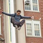 Spider-Man: Homecoming, Peter Parker in azione in una nuova immagine