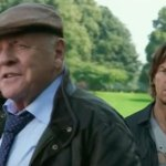 Transformers: L'Ultimo Cavaliere, Anthony Hopkins in una clip del nuovo film di Michael Bay