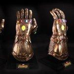 Avengers: Infinity War, il Guanto dell'Infinito a grandezza naturale e il nuovo Iron Man della Hot Toys!