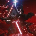 """Star Wars: Gli Ultimi Jedi, il concitato scontro nella sala de trono sulle note di """"Immigrant Song"""" in un video mashup"""
