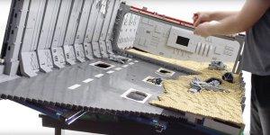 Star Wars: Il Risveglio della Forza, ecco un video in timelapse che mostra la costruzione dello Star Destroyer LEGO visto su Jakku