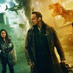 The Last Sharknado: It's About Time, dinosauri, squali e molto altro in un nuovo teaser trailer