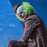 Joker: Joaquin Phoenix è un pagliaccio allegro nelle nuove foto dal set
