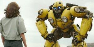 Bumblebee: l'autobot e Charlie giocano a nascondino in una clip italiana