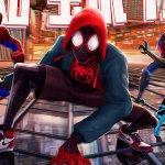 Spider-Man: Un Nuovo Universo, tutte le varianti di Spidey in un nuovo banner internazionale