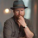 """Joss Whedon è molto scettico sulla """"cultura del binge watching"""""""