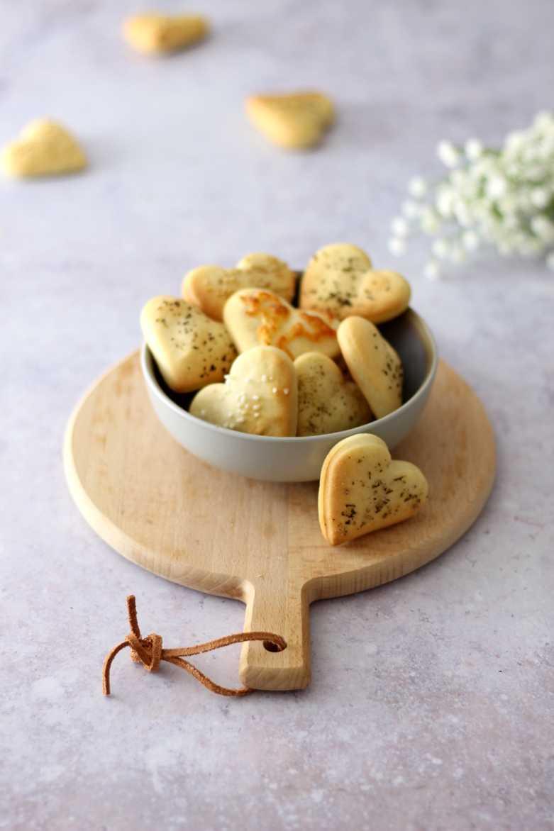 Thermomix® Rezept: Herzhafte Cracker mit Käse