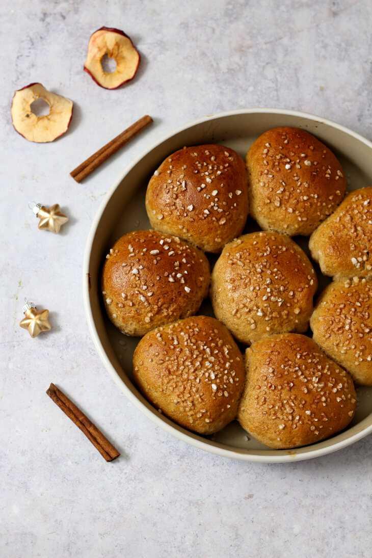 Buchteln Rezept mit Apfel und Zimt   bäckerina.de