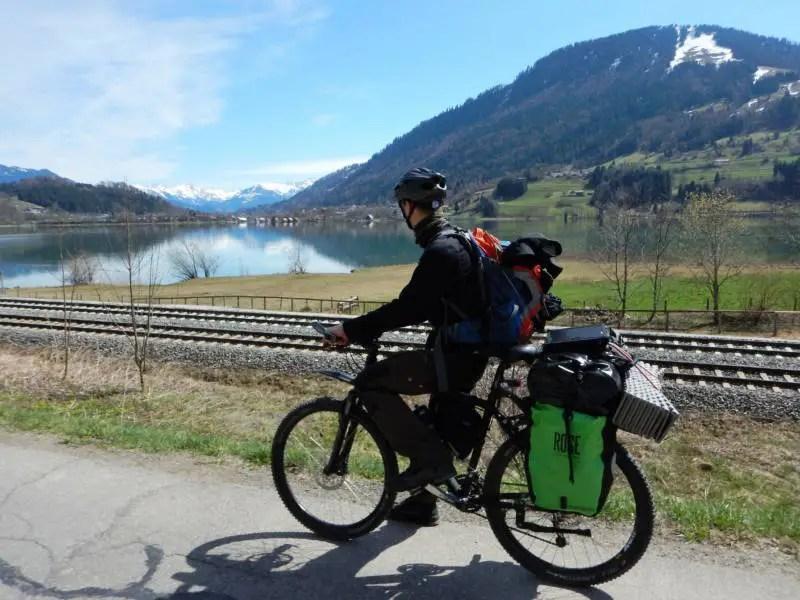 Alpsee bei Immenstadt im Algäu. Radweg.