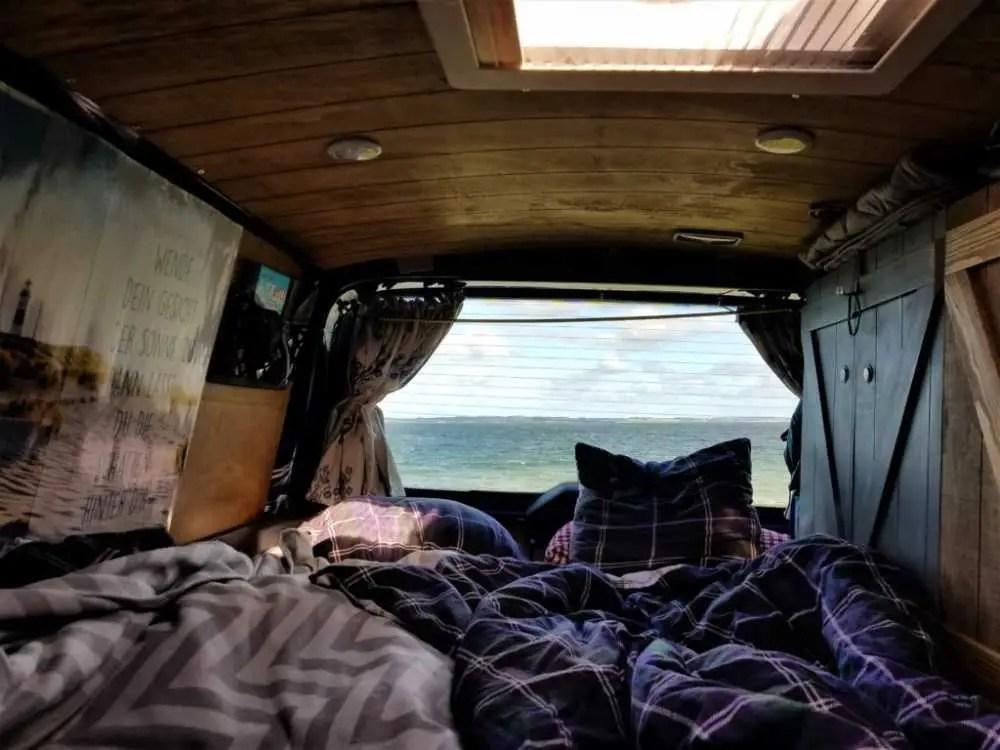 Mit dem Camper an der Westküste Dänemarks. Tolle Schlafplätze.