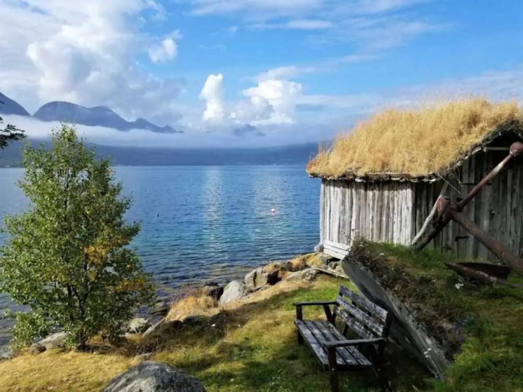 Auf dem Weg zur Insel Senja im Norden Norwegens.