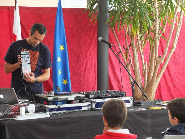 Taller de DJ para niños
