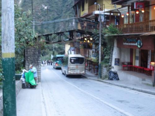 Esses são os ônibus que vão para Machu Picchu