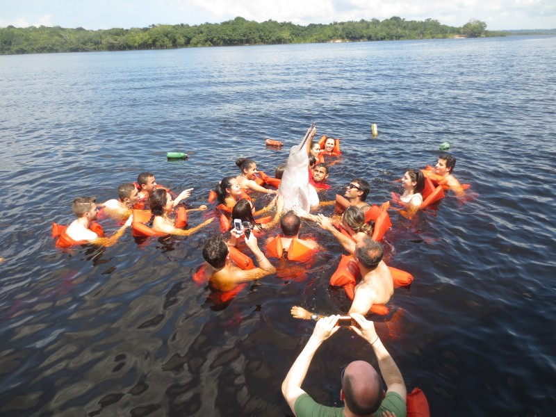 Nadando com botos - Manaus