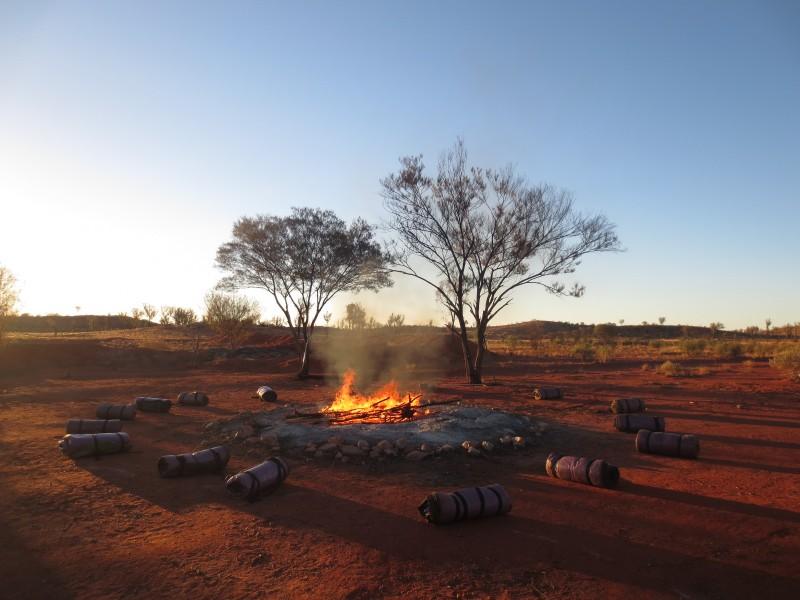 australia_desert camping