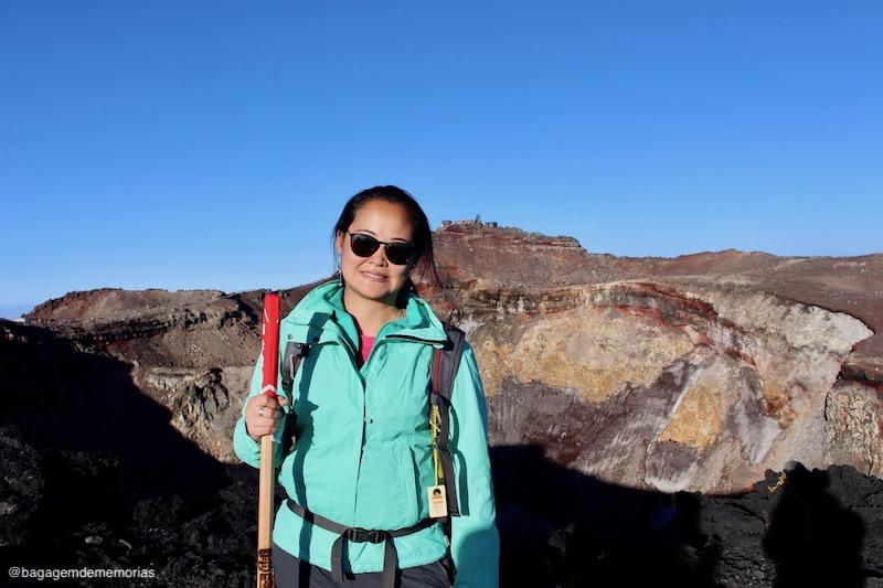 Atrás de mim, a cratera do Monte Fuji. Missão cumprida!