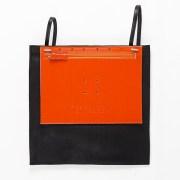 BAGaSUTRA-sac-a-dos-cuir-souple-noir-et-vegetal-orange-DTCetRVV