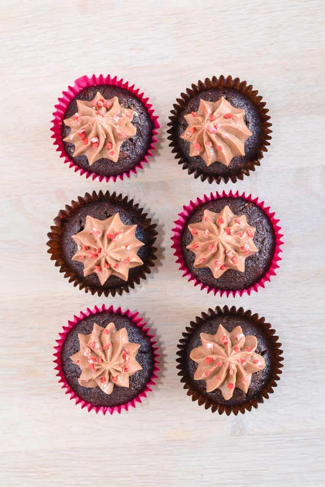Chokolade cupcakes med glasur