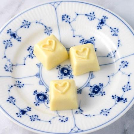 Fyldt hvid chokolade opskrift