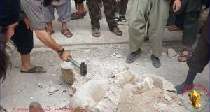 Destruction of Assyrian artifacts by IS militants.