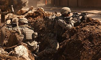 US_Army_soldiers_in_a_firefight_near_Al_Doura,_Baghdad