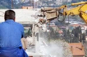 """Abusivismo edilizio -  Il """"Settimanale"""" intervista l'ing. Vincenzo Aiello responsabile della Direzione urbanistica del comune di Bagheria."""