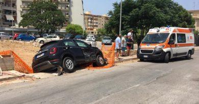 BAGHERIA: Violento impatto all'incrocio tra via Borsellino e mons. Arena