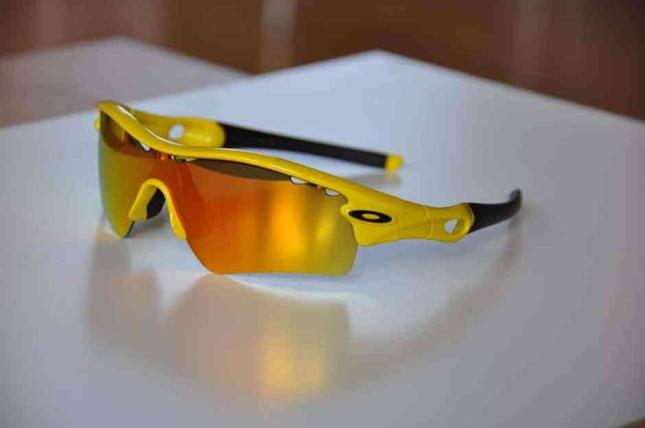 Oakley top brand แว่นตากันแดด