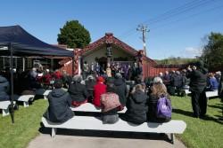 La traduction de prières bahá'íes en maori fait partie d'un vaste effort visant à faire revivre la langue des peuples autochtones de la Nouvelle-Zélande.