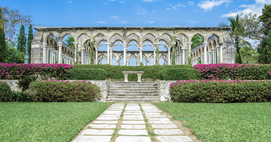 Things to do in Nassau Paradise Island Bahamas. Versailles Gardens, fountains and statues with sculpted gardens on Paradise Island, Nassau. New Providence. ©Bahamas Ministry Of Tourism