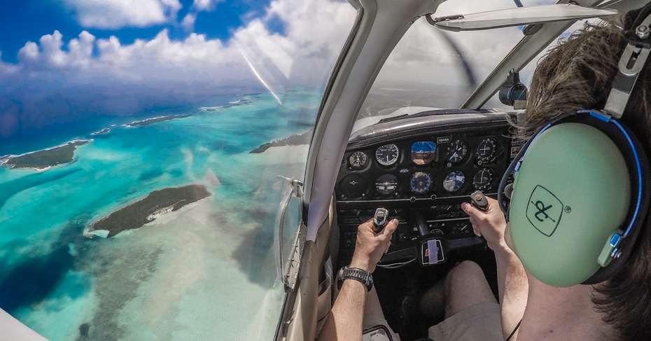 Island Hopping Bahamas Tour, flying over the exumas bahamas. Bahamas Air Tours provide private air charters from Florida to Bahamas and day trips from Miami to Bahamas to visit swimming pigs and exuma pigs.