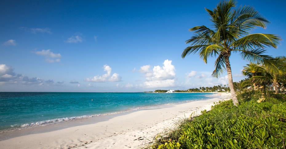 Beach on Elbow Cay Bahamas close to Hope Town. Accessible by ferry from Marsh Harbour on Abaco Bahamas. Copyright Bahamas Ministry of Toursim