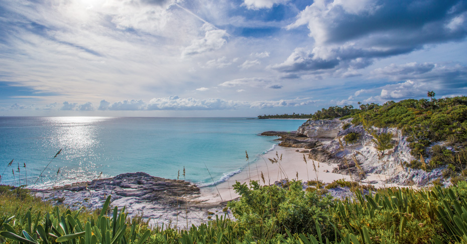 How to get to Eleuthera Bahamas with Bahamas Air Tours. A 5 day cruise to Bahamas with Bahamas Air Tours offering direct flight to Eleuthera from Miami and Fort Lauderdale.