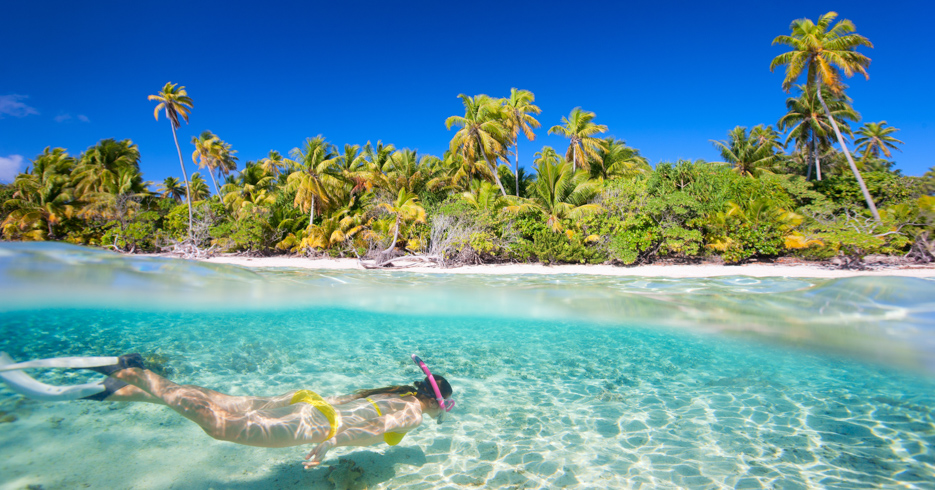 Best snorkeling in Bahamas. Explore the underwater majesty of the Bahamas on a Bahamas Island Hopping tour or day trip to Bahamas from Florida with Bahamas Air Tours.