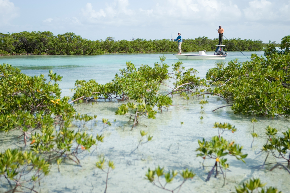 Bonefishing Bahamas Tour Islands the joulter cay. Visit the top Bahamas fishing locations with private Bahamas Fishing Charters from Bahamas Air Tours