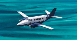 Fly to the Bahamas Swimming Pigs at Staniel Cay with Bahamas Air Tours on a one day trip from Nassau to Exuma by plane. Visit the famous Compass Cya Sharks, Thudnerball Grotto, Iguanas and Exuma Pigs all in a day from Nassau, Paradise Island by plane to Staniel Cay