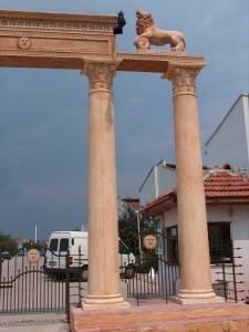 Yuvarlak Korint Sütun Beton