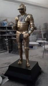 metal şövalye heykelleri